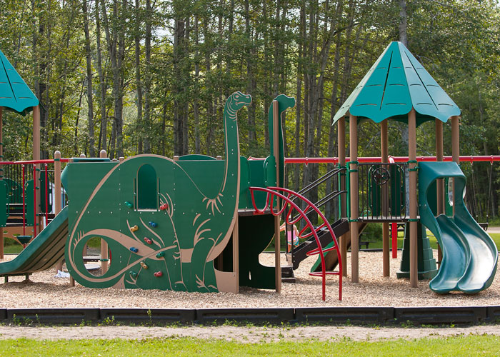 Pipestone-Creek-Playground