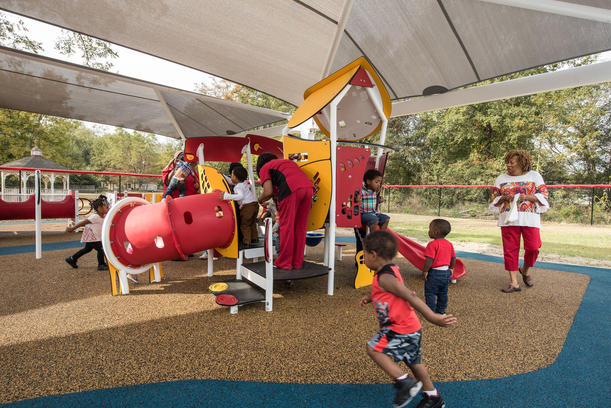 Playground Shade over smart play motion